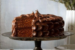 spiced layered cake