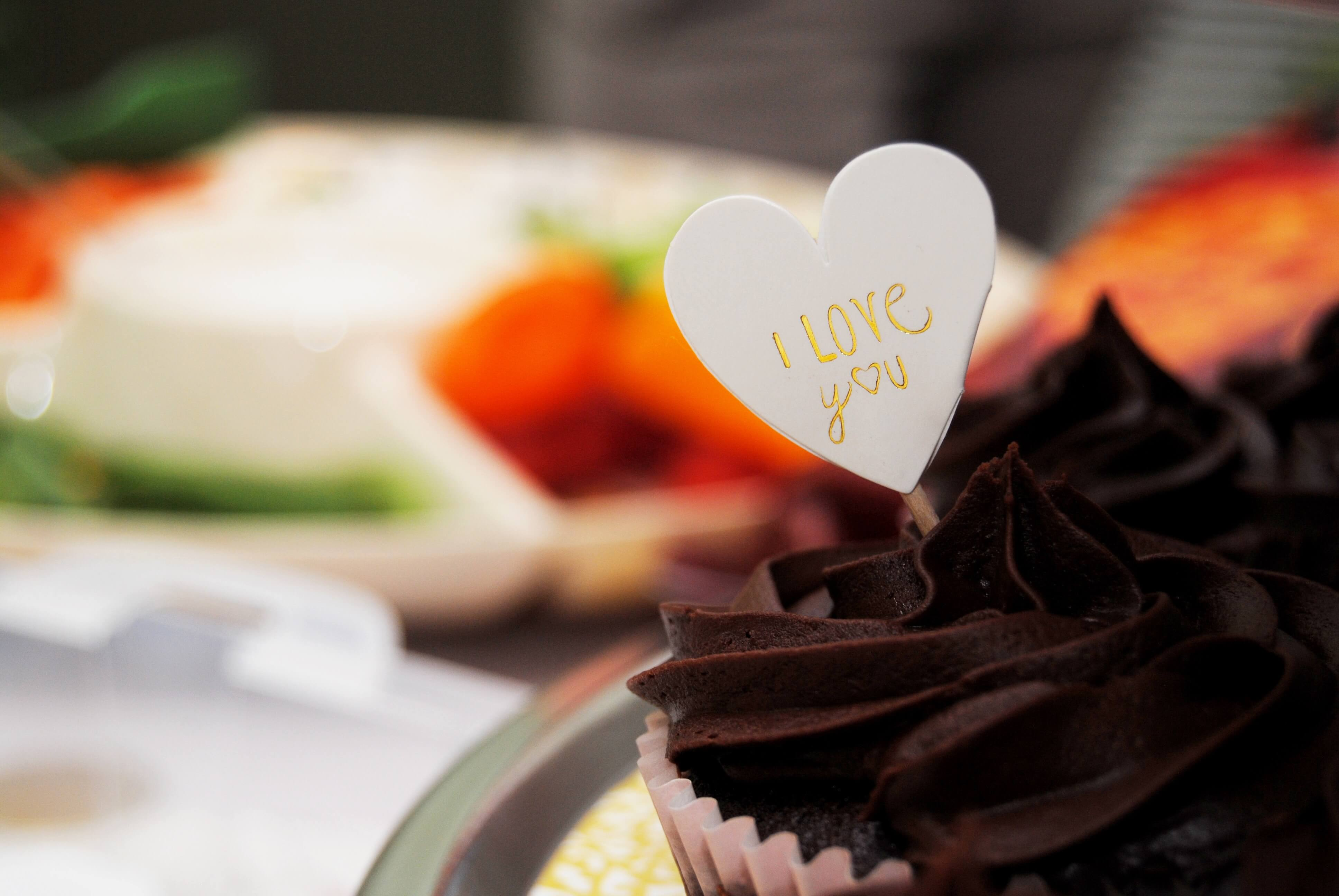 valentines day cake gifts